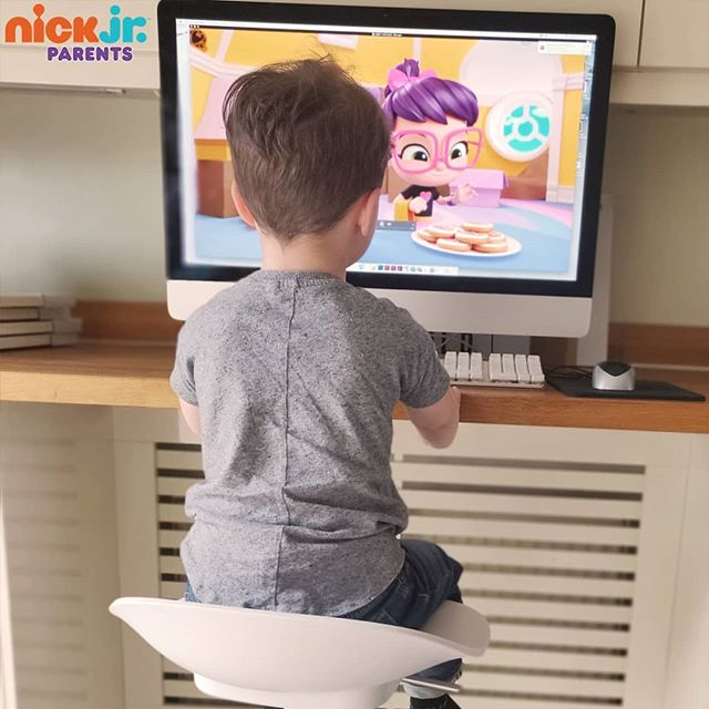 "Kids watching Nick Jr. UK with Instagram ""kidfluencers"""